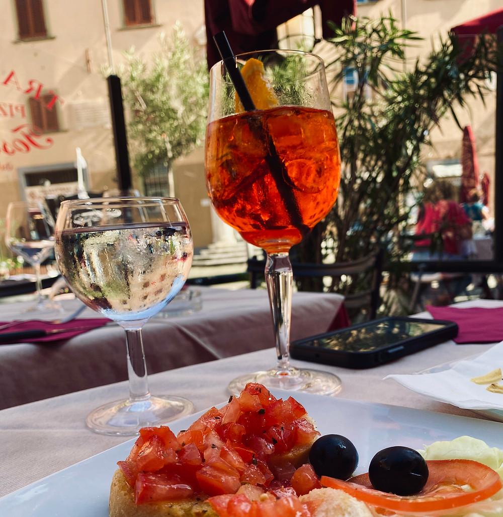 italian-aperitivo-aperol-spritz