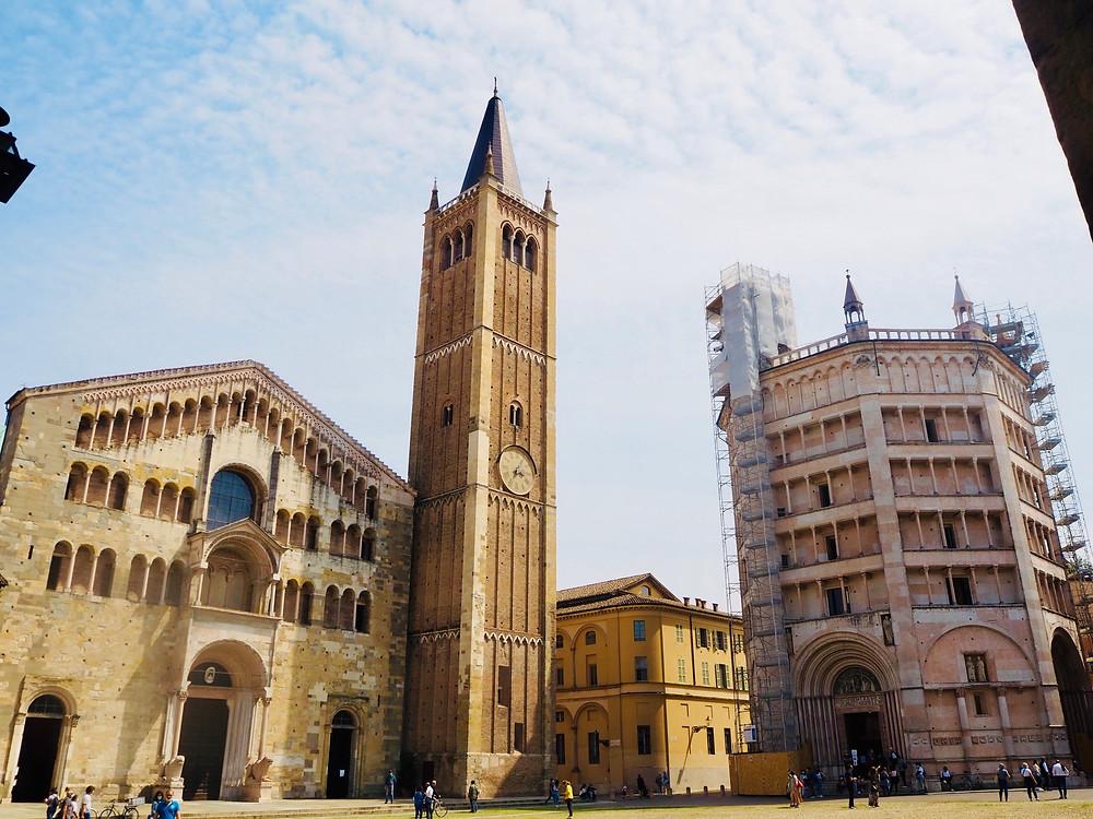 parma-italy-piazza-duomo-1