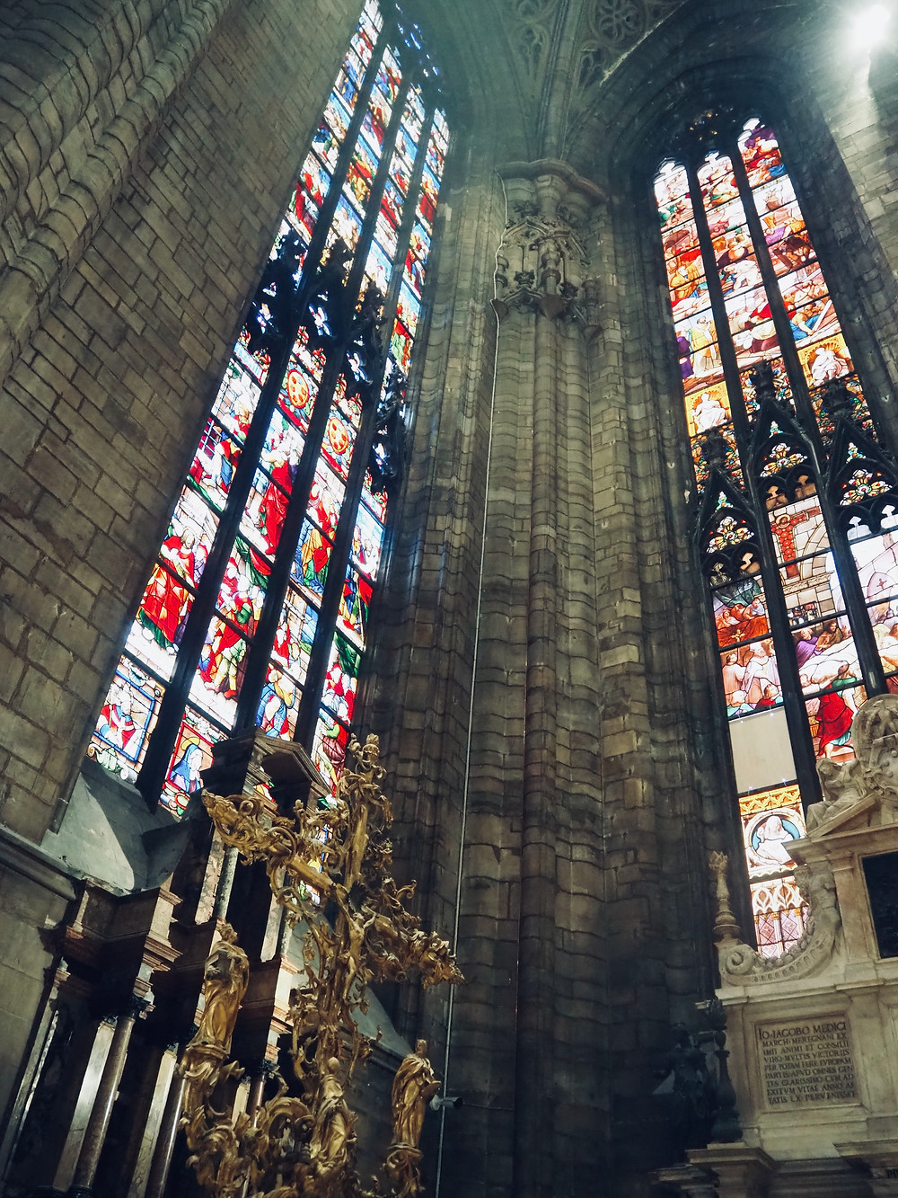 milan-cathedral-stained-glass-windows