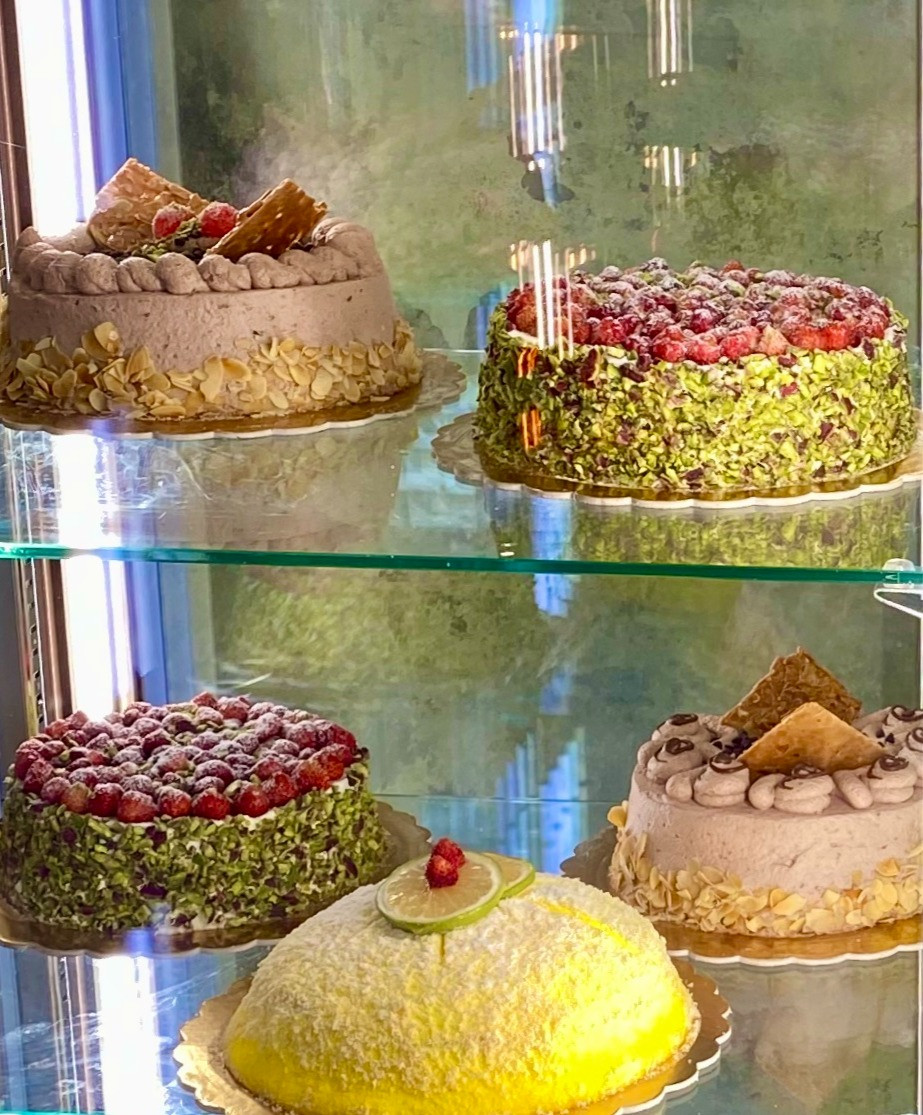 sicily-desserts-traditional-cakes