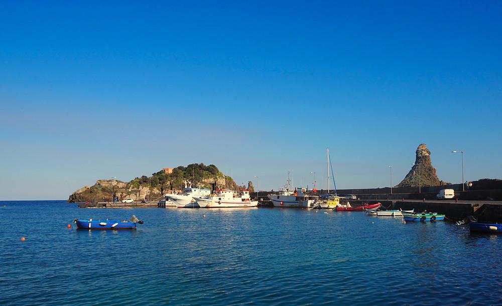 aci-trezza-harbor-ciclopi-isles