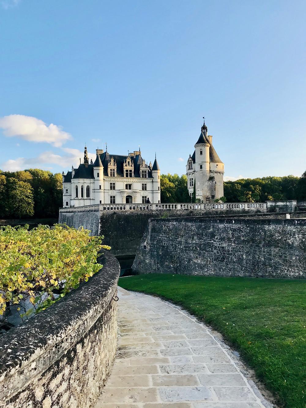château-de-chenonceau-garden-view