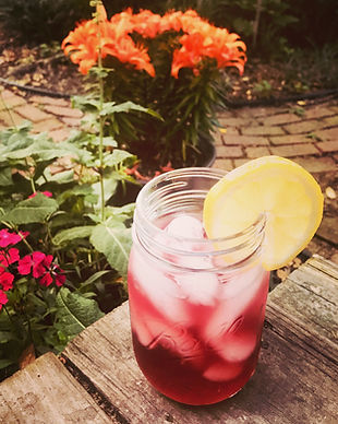 blackberry-moonshine-lemonade-cocktail-r