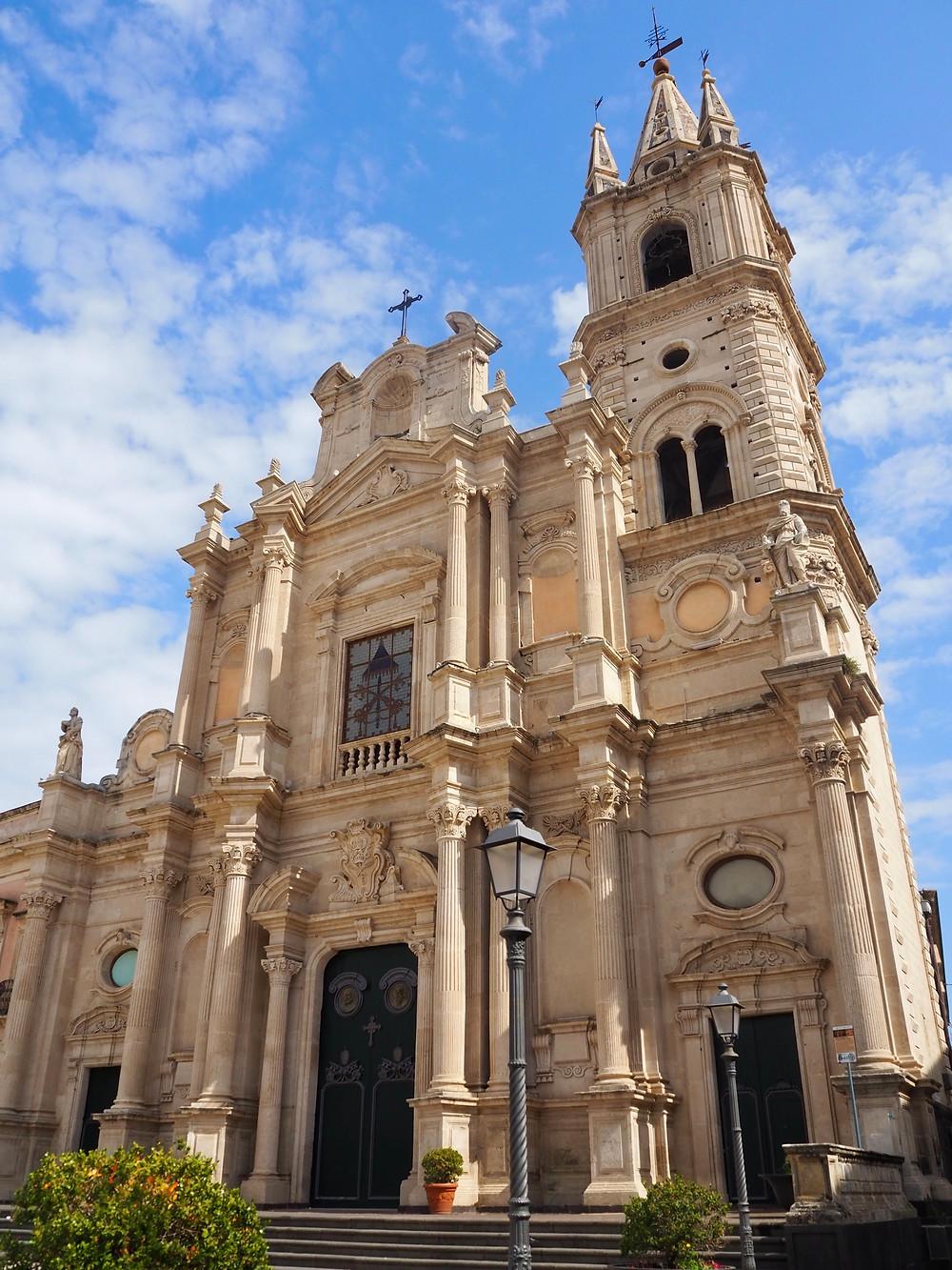acireale-piazza-duomo-basilica-peter-paul