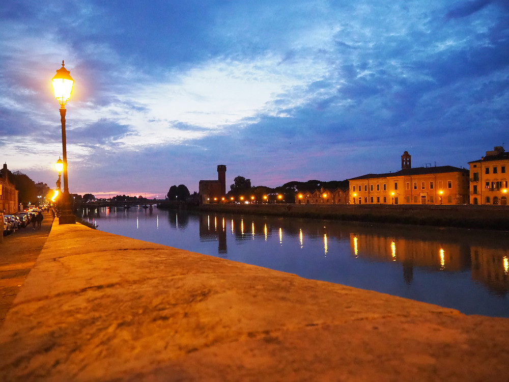 pisa-sightseeing-river