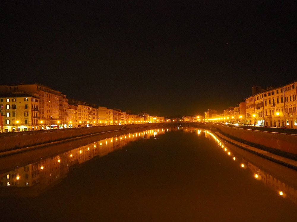 pisa-arno-river-night