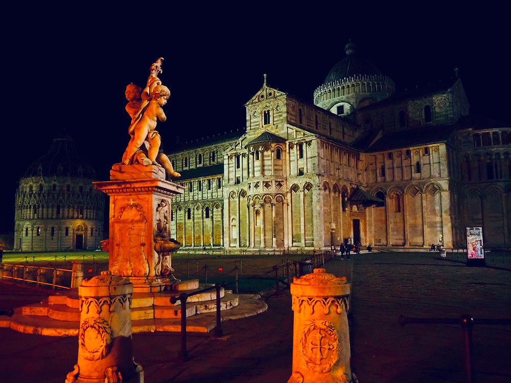pisa-leaning-tower-at-night