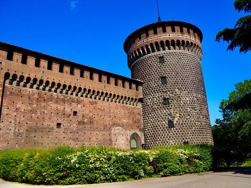 milan-sforzesco-castle-1