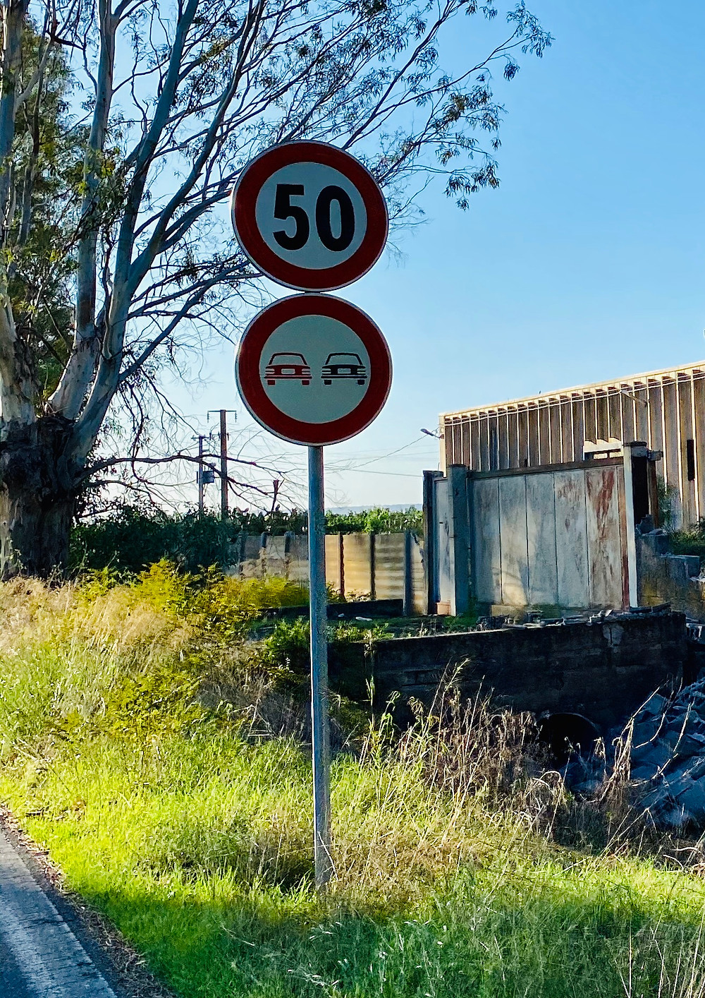 sicily-driving-road-signs