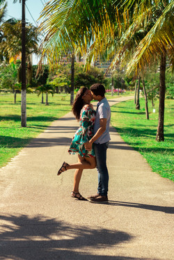 a-couple-kissing-in-the-park-3070008