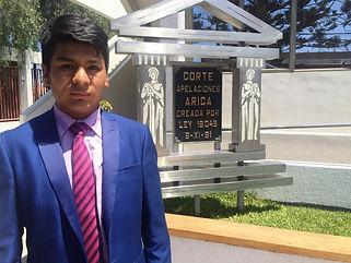 8a0146bc7f6 Hasta el mes de abril realizará su práctica el estudiante de nacionalidad  boliviana que ha sido destacado por sus funciones por el presidente de la  Corte de ...