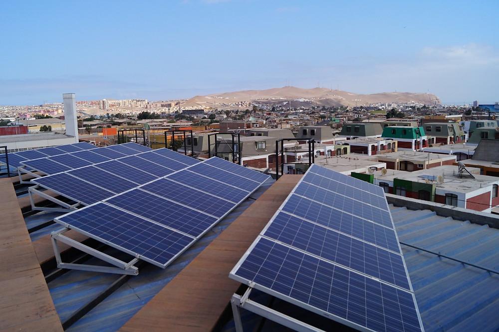 Paneles solares campus Las Acacias