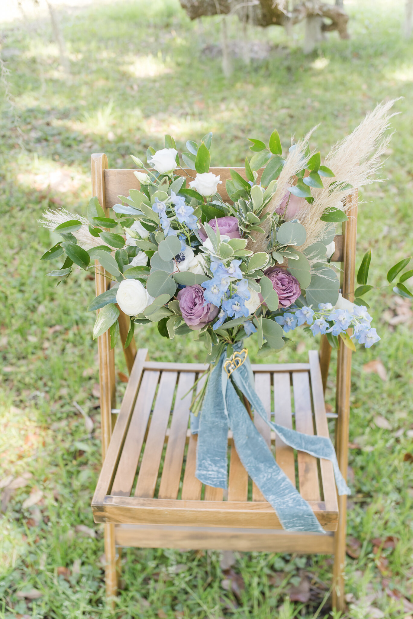 Mauve and dusty blue bouquet