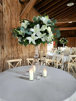 White and emerald tall centerpiece