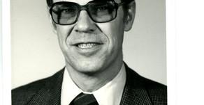 Dr. Les Coleman