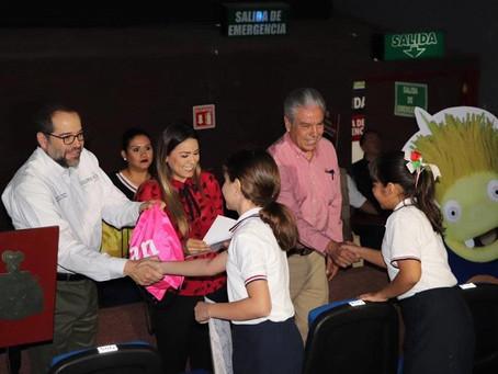 Los niños de Colima reciben a Clan con mucha alegría