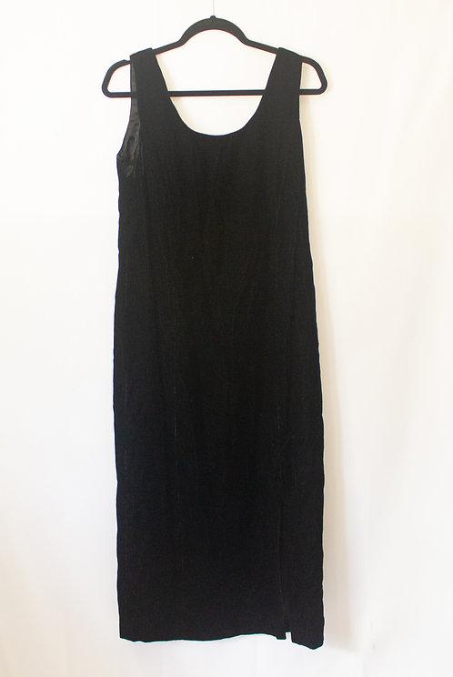 Vintage Velvet Dress (15/16)