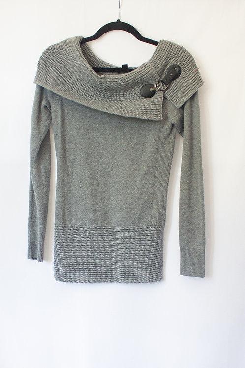 Le Chateau Sweater (M)