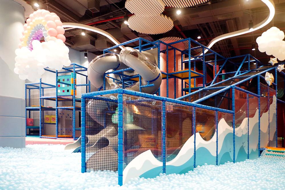 滑梯和球池/Slide and ball pool