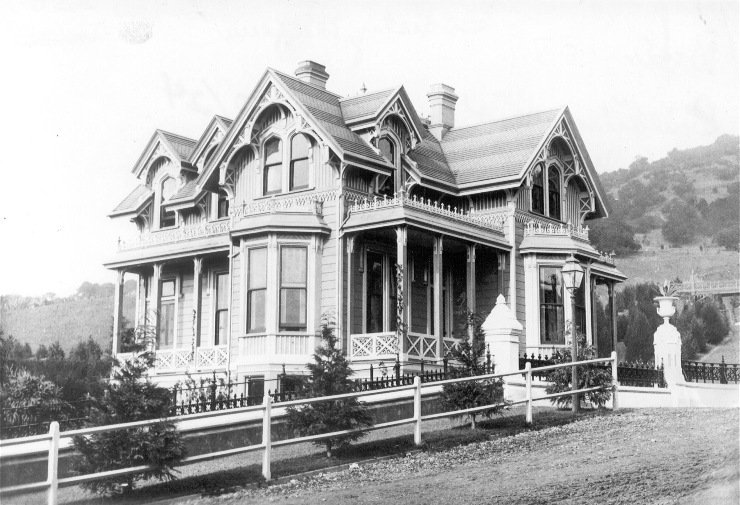 1880-boydgatehouse
