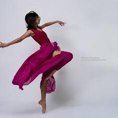 showcasing_beautiful_dancers