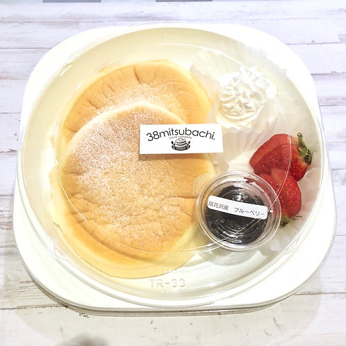 パンケーキ&ブルーベリージャム仙台苺添え