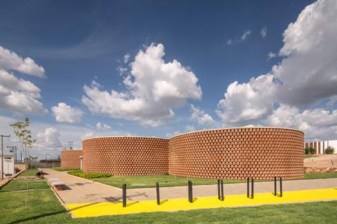 ArchDaily   Academia Escola Unileão  Lins Arquitetos Associados   12.07.2019