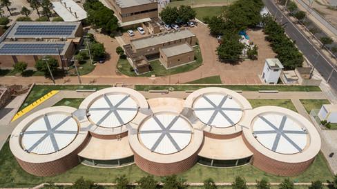 ArchDaily   Unileão Gym and School / Lins Arquitetos Associados   12.07.2019
