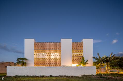 ArchDaily | Residência C | Lins Arquitetos Associados | 09.01.2020