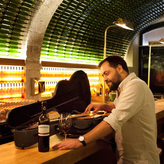 Endorsement António Zambujo com o Vinho Periquita
