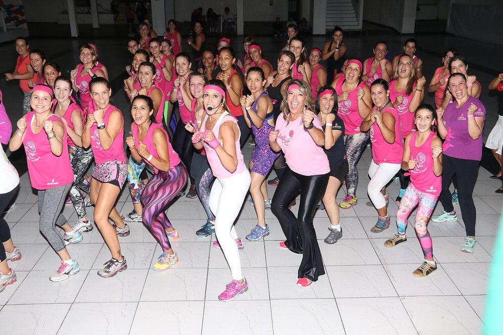 Amparo recebe a musa fitness Solange Frazão
