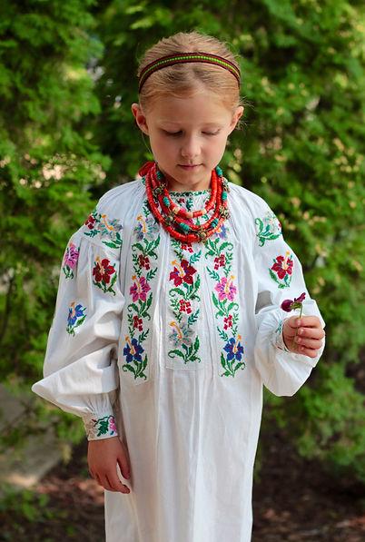 vintage embroidery, korali, Ukrainian sorochka