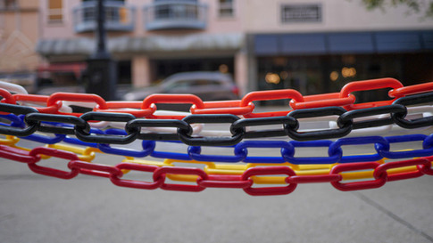 all colors plastic chains 2.jpg