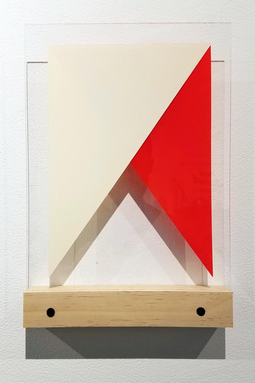 |/\| Red & White