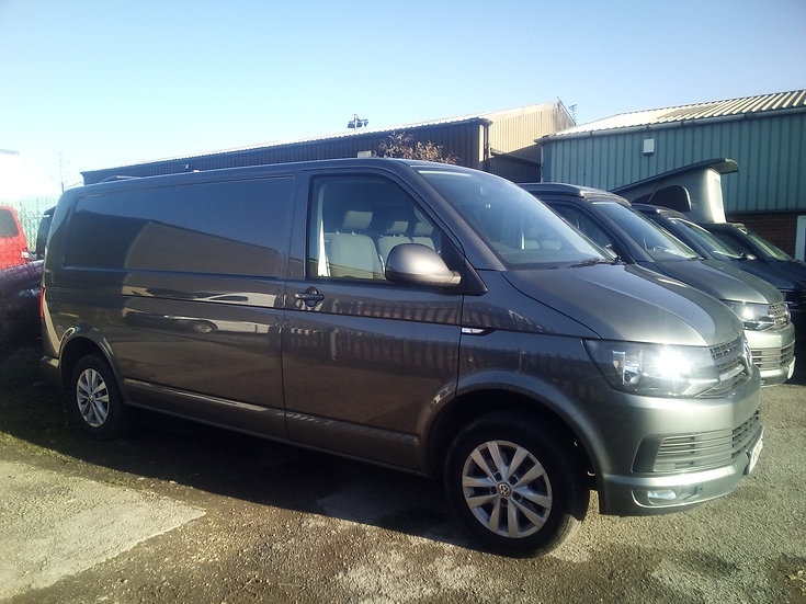 2018(18) 150bhp Auto VW T6 in Indium Grey - Highline, LWB