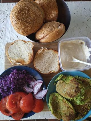 YogaVG kitchen: Mi siti, krava cijela burgeri