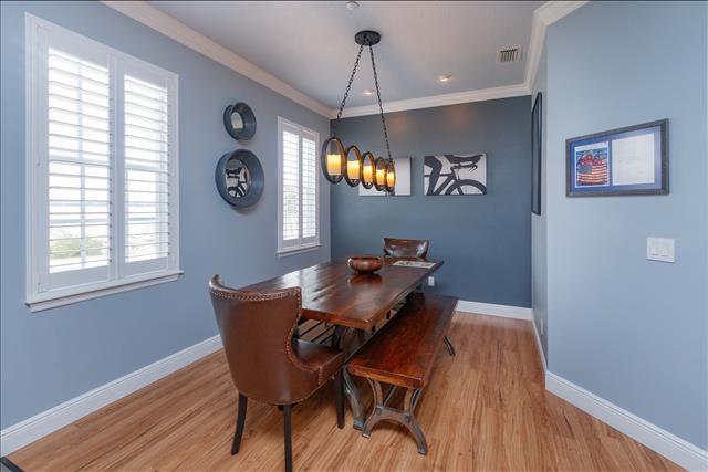 6 dining room a.jpg