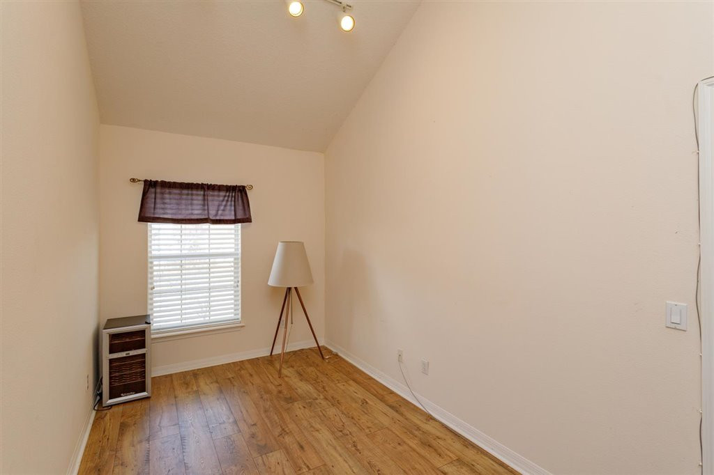 18-Master Bedroom Den.jpg