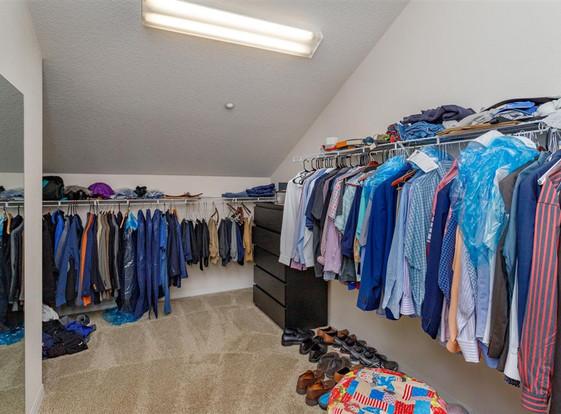 17-Master Bedroom Closet.jpg