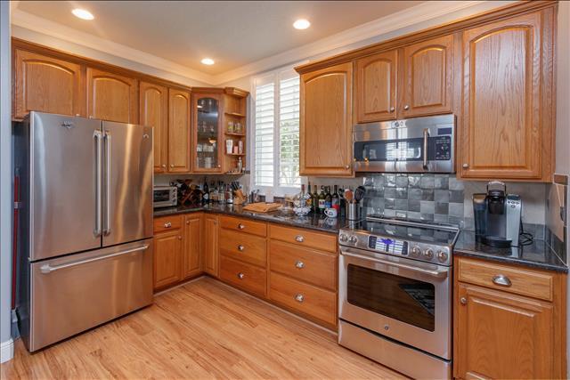 10 kitchen c.jpg