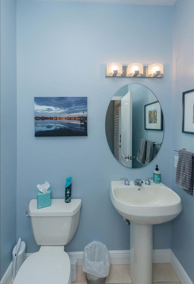 12 bathroom a.jpg