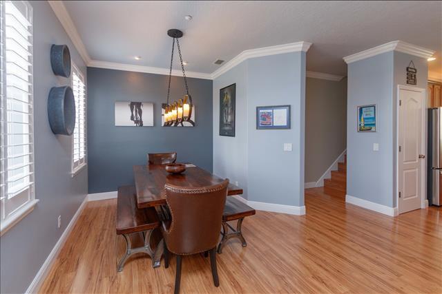 7 dining room b.jpg