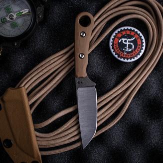 Neck knife con impugnatura