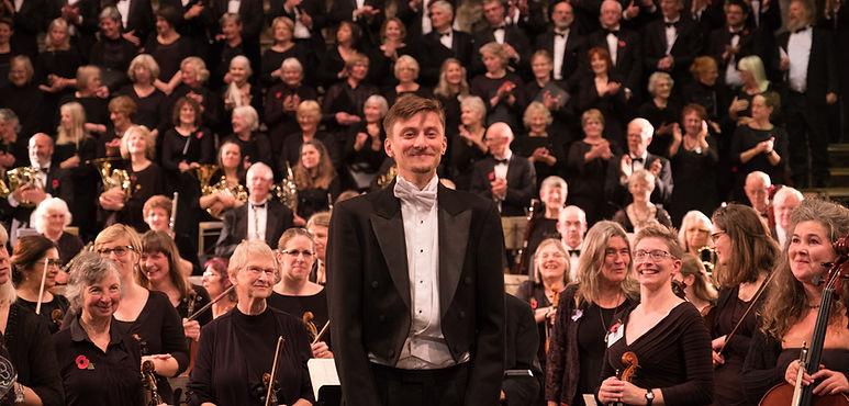 Leo Geyer with EMG Symphony Orchestra & Chorus