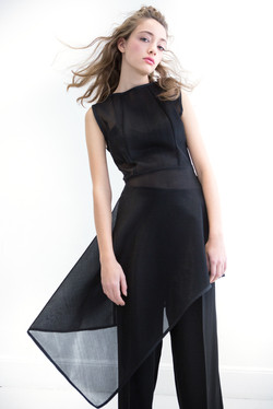 Black outfit small 7H9A3612