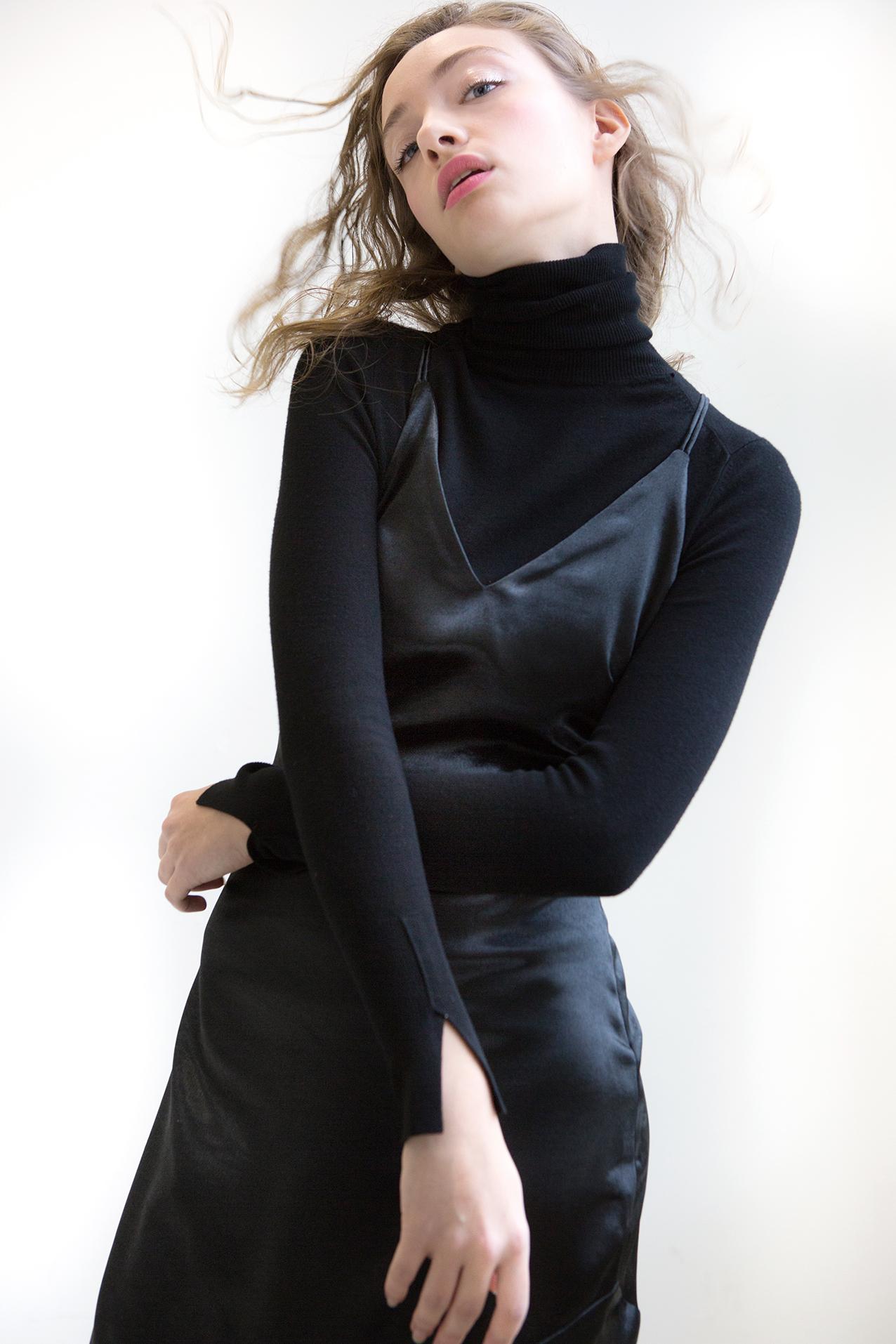 Black dress small 7H9A3080