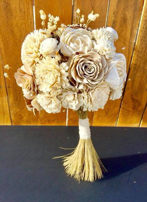 Natural Wood Flower Bouquet