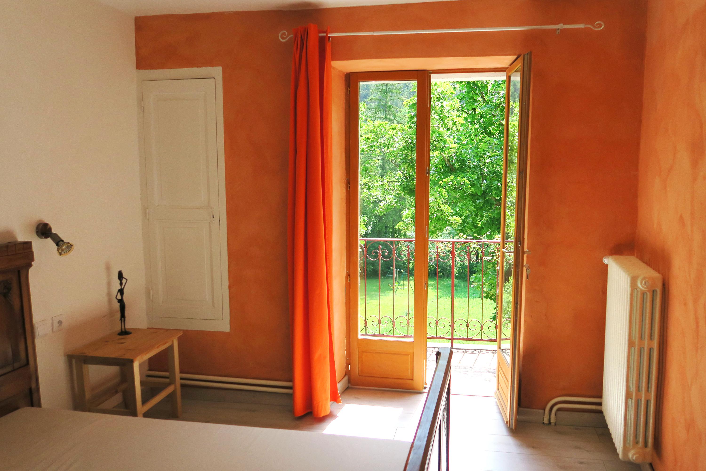 Gite Romeyer Chambre lumineuse
