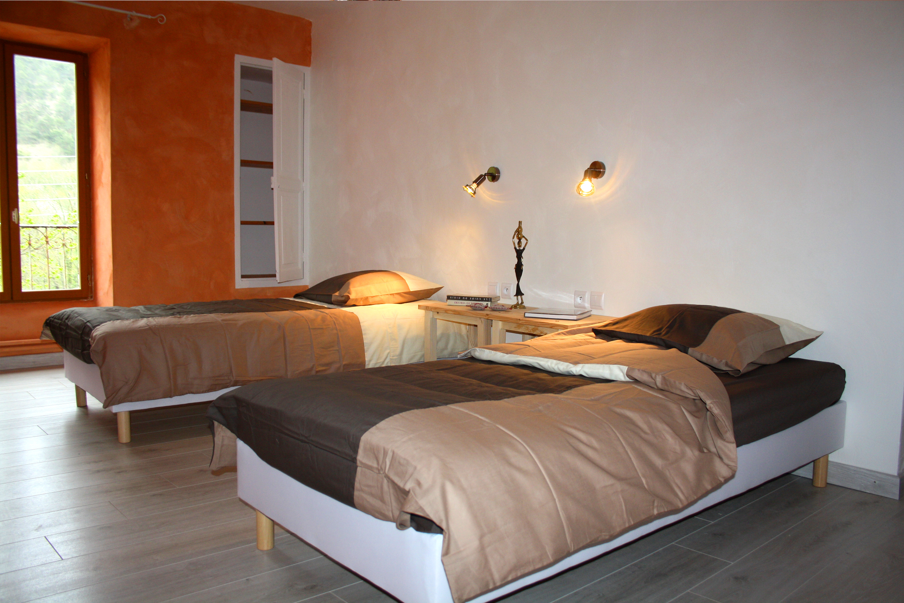 Gite Romeyer Chambre spacieuse