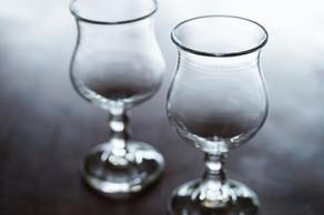 気取らない雰囲気と適度なサイズ感で、毎日の暮らしに自然に溶け込むような素敵なワイングラスです。